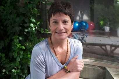 Menopozun Bilgeliğini Yoga ile Karşılamak – Banu Çadırcı ile Yoga Terapi ve Işıltılı Nefes